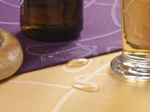 neue abwaschbare Tischdecke der Weberei Hofer