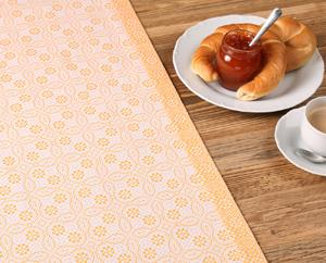Tischdecke mit breiten Saum
